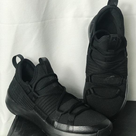 info for b2613 133a2 Boys Jordan Trainer pro BG. New in box never worn. NWT